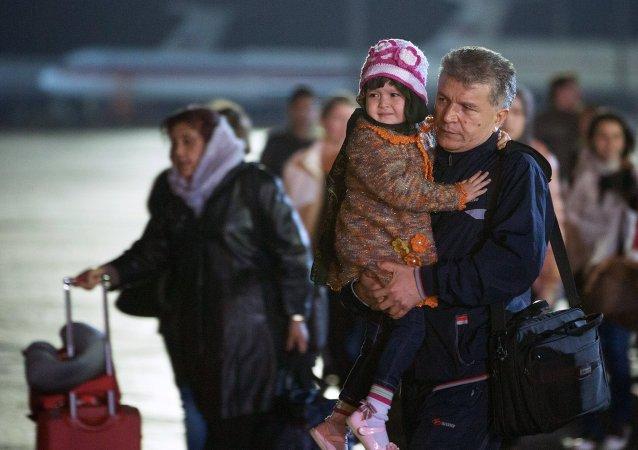 俄兩架撤僑飛機抵達莫斯科