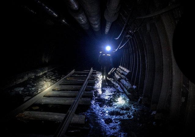 巴基斯坦西部礦難已致7名礦工遇難 6人生死未卜