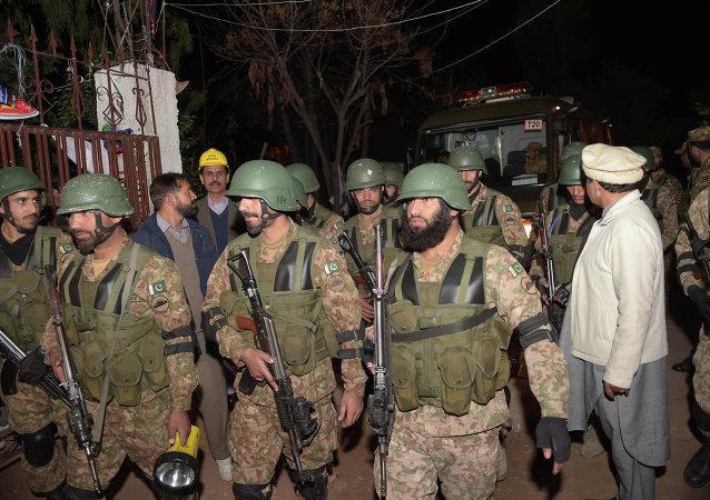 巴基斯坦大巴爆炸至少致10死18傷