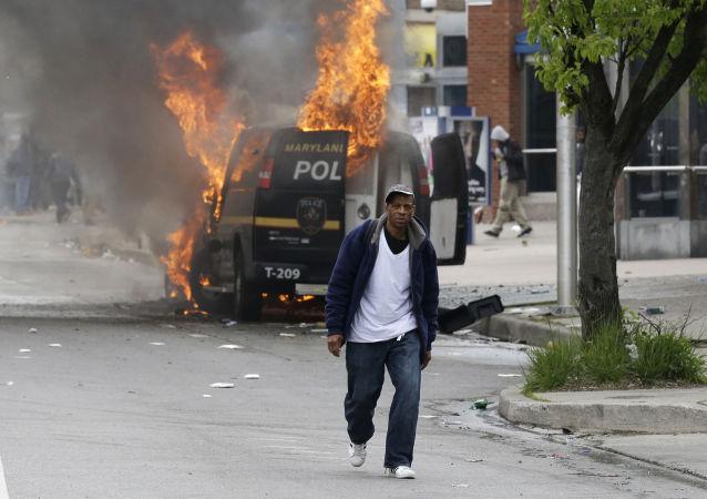 多爾戈夫:巴爾的摩騷亂暴露了美國系統性的種族歧視