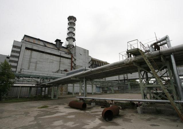 在切爾諾貝利核電站發生事故的四號機組上方建設新掩體