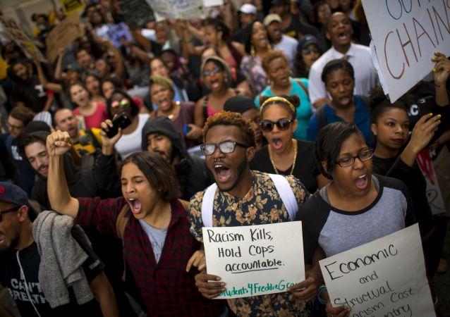 馬里蘭州檢察長承認黑人青年格雷死亡是一起凶殺案