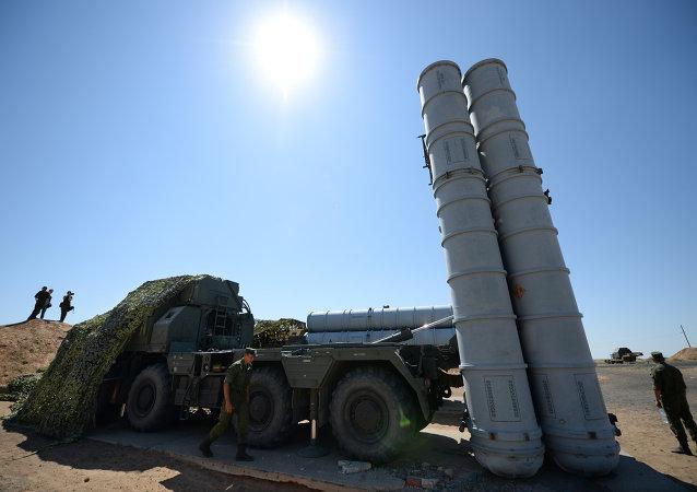俄委近期未簽署S-300防空導彈系統供應合同