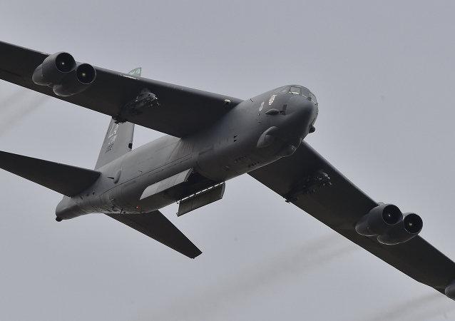 美國空軍B-52轟炸機在俄羅斯西部邊境開始飛行