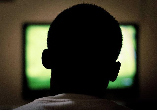 科學家告訴為甚麼老年人不應該看電視