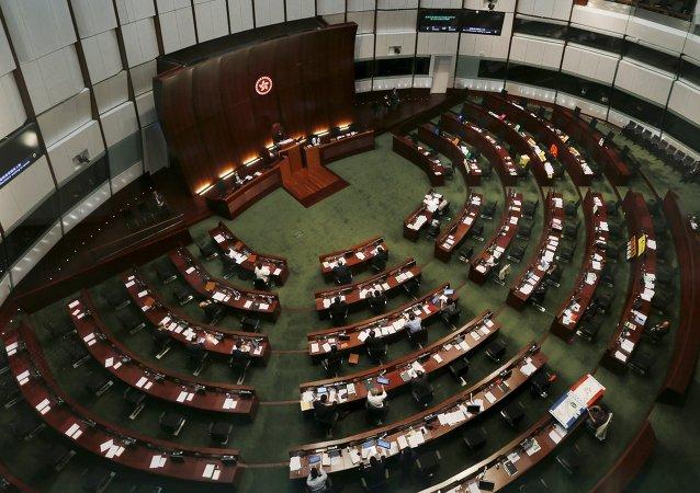 全國人大常委會就香港立法會議員資格問題作出的決定合法合理不容挑戰