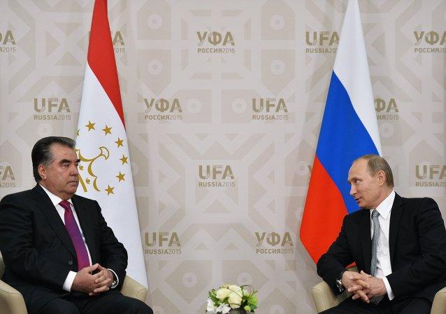俄總統普京與塔吉克斯坦總統拉赫蒙