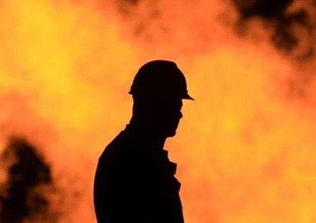 華媒:南京鬧市一大樓失火 火勢已得到初步控制