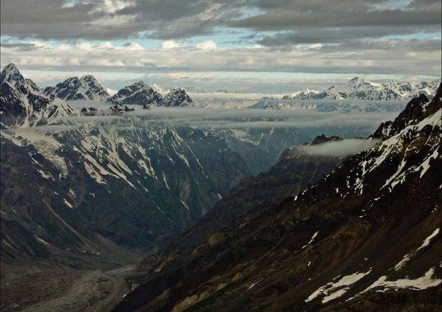 三名俄登山者在吉爾吉斯斯坦征服列寧峰時遇難