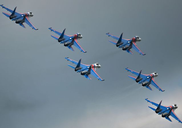 「俄羅斯勇士」飛行隊