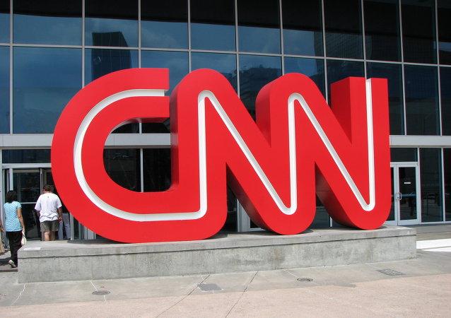 美國一中學生因穿寫有「Fake news」的足球衫而被禁止進入CNN參觀