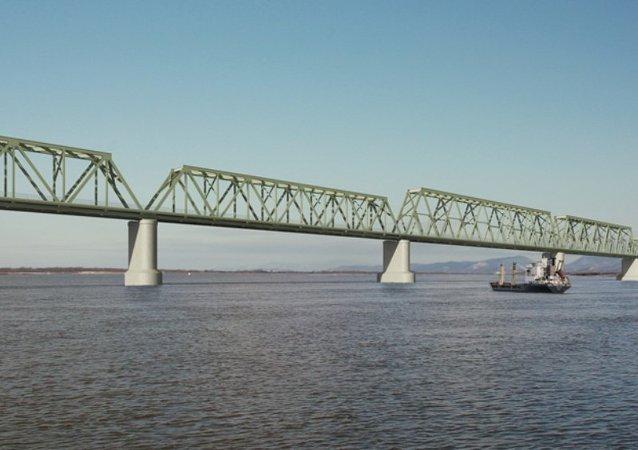 阿穆爾河大橋