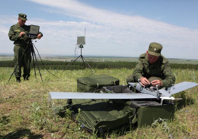 俄「副翼」無人機班組在塔吉克斯坦舉行演練