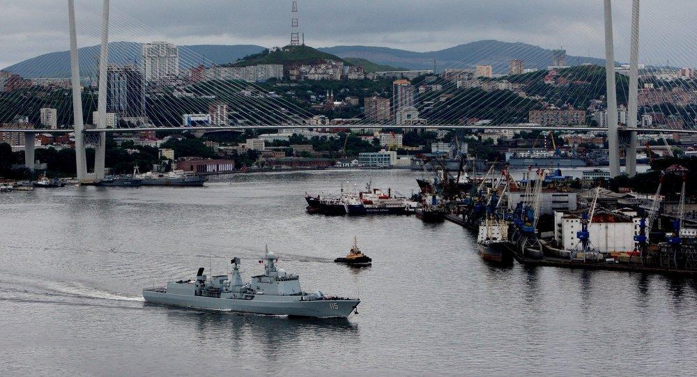 俄中演習參演軍艦閱兵在符拉迪沃斯托克開始
