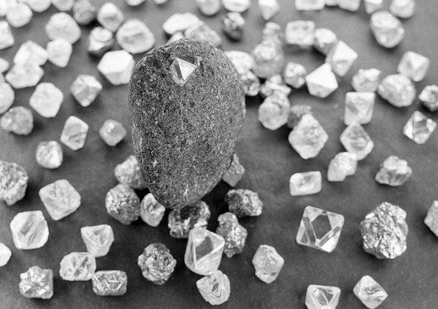 鑽石巨頭戴比爾斯1月銷量下滑
