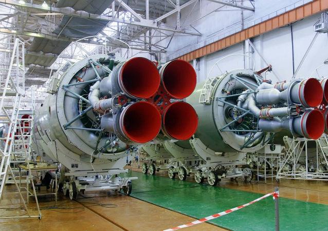 「聯盟- 2.1a」運載火箭由「進步」航天火箭中心運往「東方」航天發射場