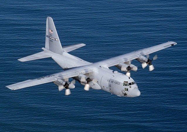 美國C-130「大力神」(Hercules)軍用運輸機
