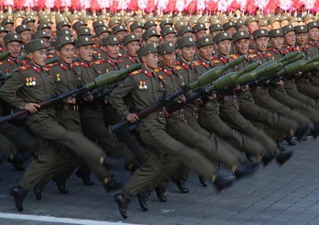 朝鮮舉行史上最大規模閱兵