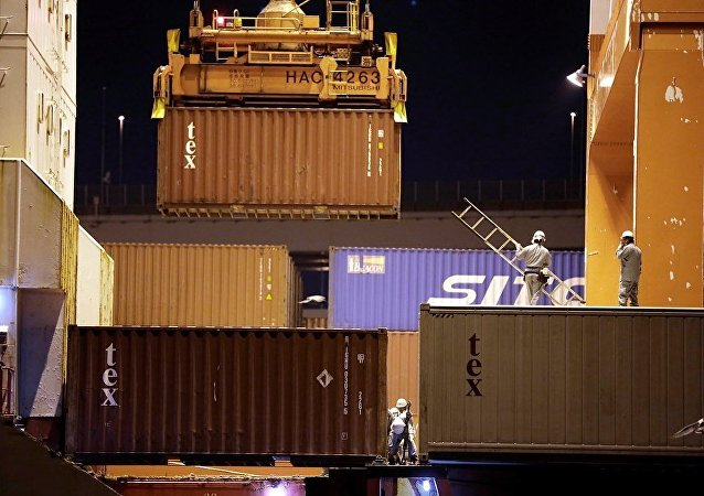 中國外貿額在10月份同比下降12.2%