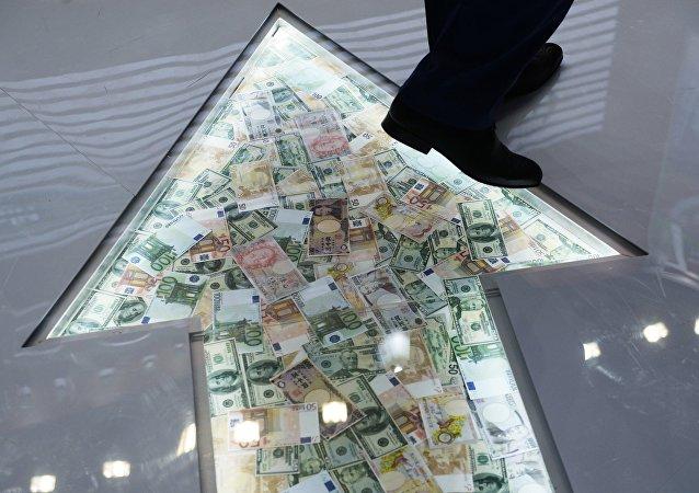 俄外經銀行副行長:2018年俄資本外流量將增長