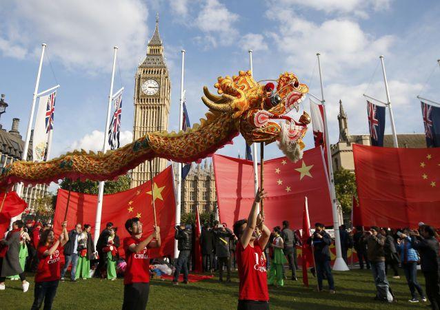 中國外交部:中英領導人就共同打造雙邊關係「黃金時代」增強版達成共識