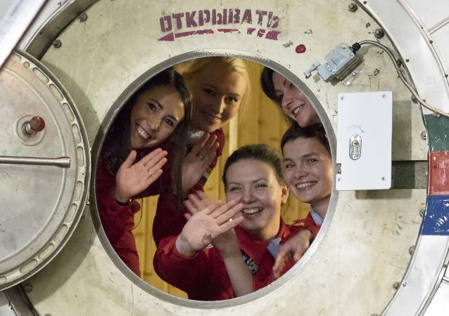 俄航天集團公司總經理贊成招募女性宇航員的想法