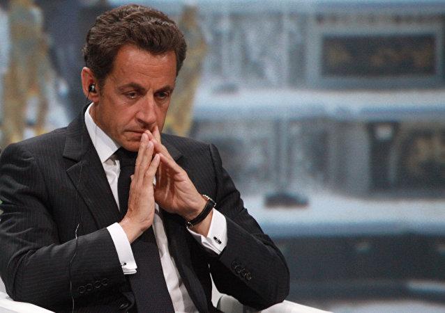 法國前總統薩科齊今晨返回警察局繼續接受質詢
