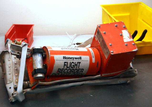 搜救組發現埃及航空失事飛機駕駛艙語音記錄器