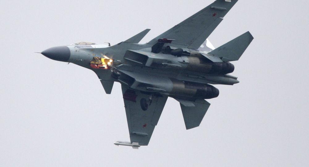 中國空軍:蘇-35戰機首次與轟-6K戰機編隊繞飛台灣島巡航