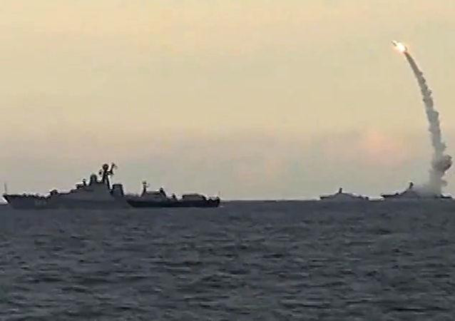 裡海區艦隊軍艦擊退假想敵航空隊進攻