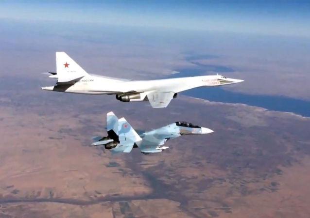 蘇-30和 圖-160