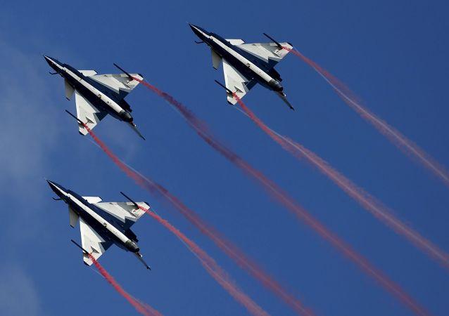 中國空軍八一飛行表演隊16日啓程赴俄參加國際軍事技術論壇