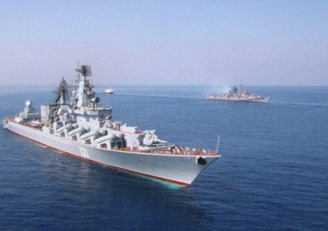 「莫斯科」號巡洋艦佔據拉塔利亞附近位置掩護俄戰機