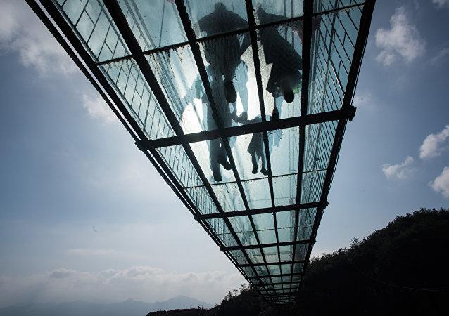 中國將建成世界上最長玻璃橋