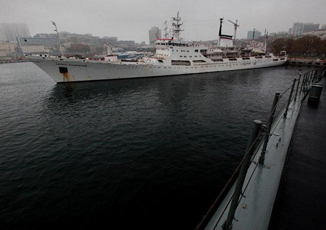 俄羅斯海軍的海洋調查船抵達南極大陸進行考察