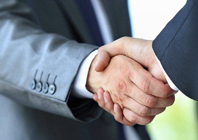 俄外貿銀行與中國國家開發銀行簽署人民幣貿易融資協議