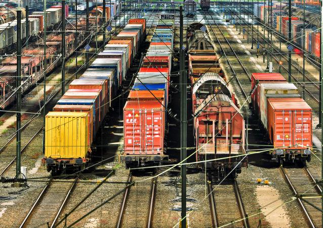 俄羅斯開展將貨物拖掛在開往中國列車上的業務