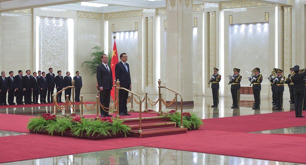 俄總理贊成中國總理關於必須共同應對經濟挑戰的觀點