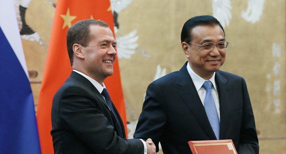 俄總理梅德韋傑夫結束訪華,效果顯著