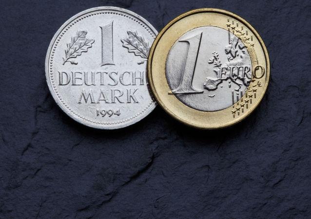媒體:歐元投入使用14年後德國人手中仍留有130億馬克