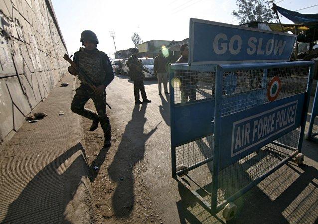 媒體:印度空軍基地遭武裝分子襲擊 交火進行中