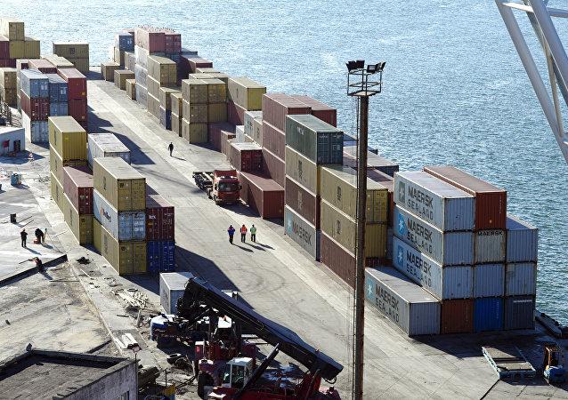 俄經濟發展部長:或需調整2020年前俄中貿易額達2000億美元的目標