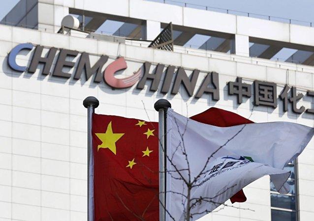 俄石油公司發佈消息稱,該公司與中國化工集團公司簽署了每年對華供應240萬噸石油的協議