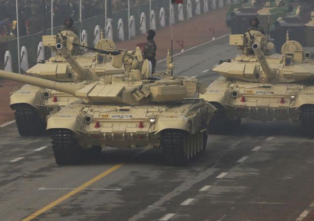俄願意延長印度生產T-90坦克許可期限