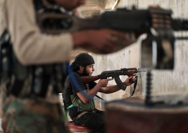 「勝利陣線」恐怖分子