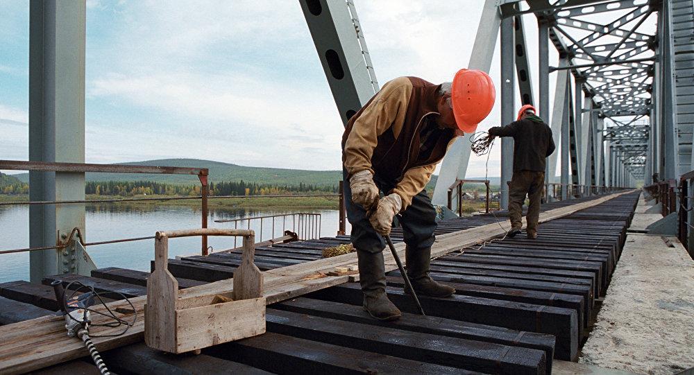 黑龍江省官員:俄中兩國應深入研究跨阿穆爾河大橋長遠發展