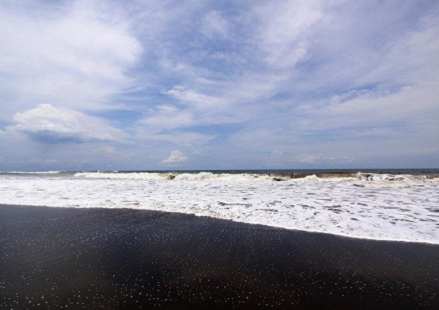 媒體:印尼派出25艘船搜尋失聯潛艇