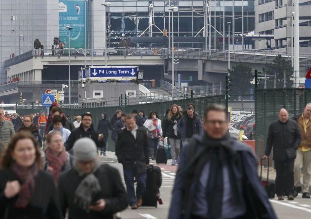 布魯塞爾機場搬運工第六天罷工 約10萬乘客受影響