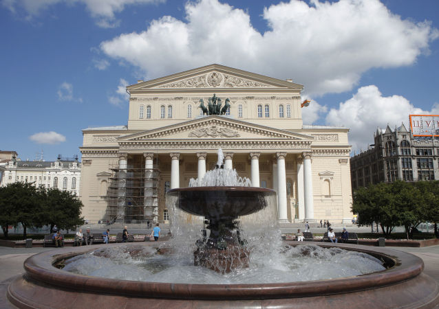 俄中友協在莫斯科大劇院慶祝其成立60週年