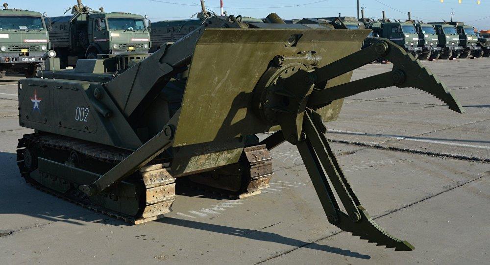 「天王星-6」號機器人掃雷